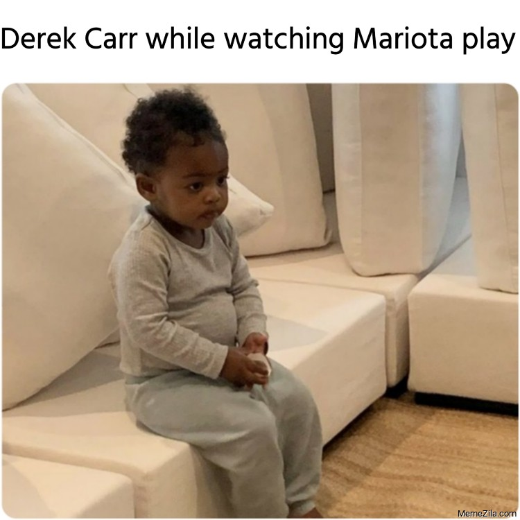 Derek Carr while watching Mariota play meme
