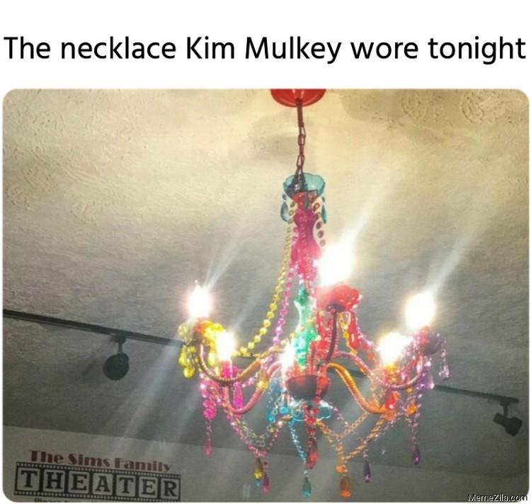 The necklace Kim Mulkey wore tonight meme